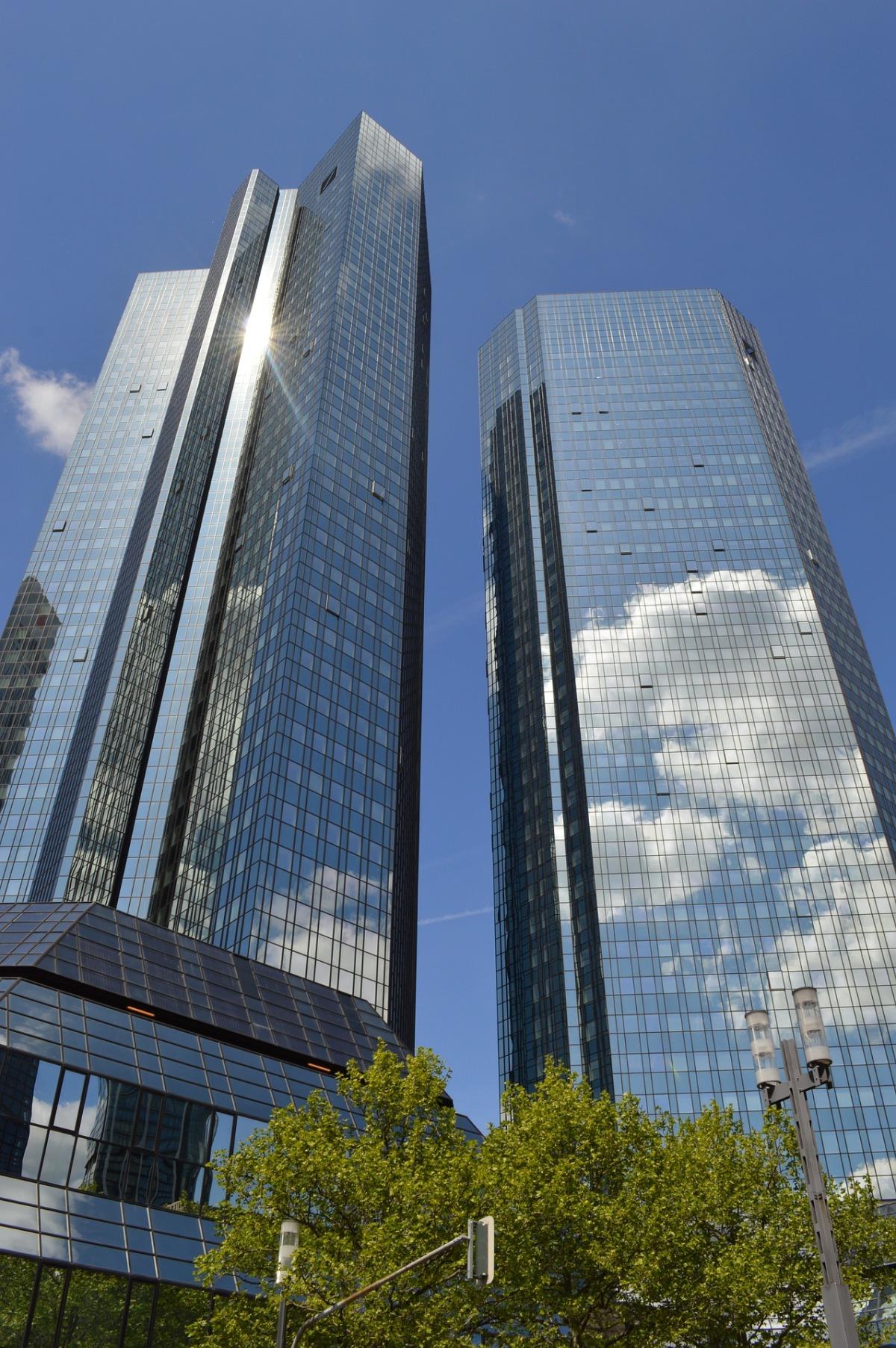 Fusionsgespräche zwischen Deutscher Bank undCommerzbank